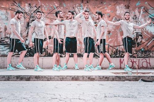 Безкоштовне стокове фото на тему «бігун, вродлива, Вулиця, графіті»