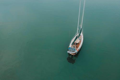 Δωρεάν στοκ φωτογραφιών με από πάνω, βάρκα, θάλασσα, θέα από ψηλά