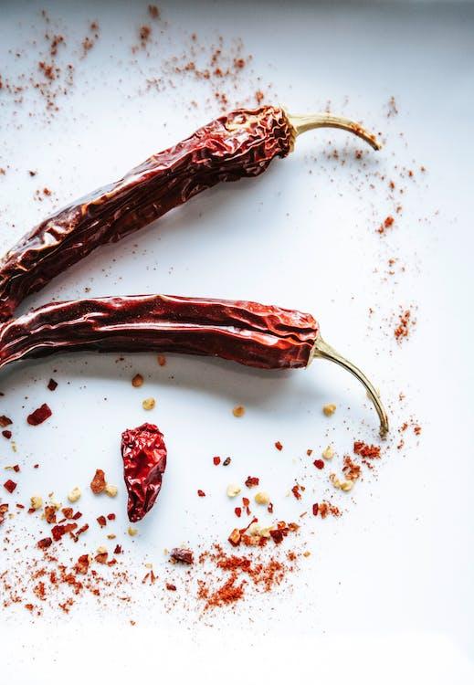 čili paprička, koření, sušené chilli papričky