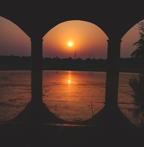 #tree, abide, Akşam gökyüzü, akşam Güneşi içeren Ücretsiz stok fotoğraf