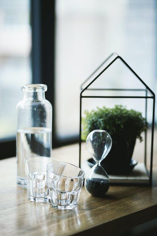 Základová fotografie zdarma na téma brýle, dřevěný povrch, dřevo, kontejner