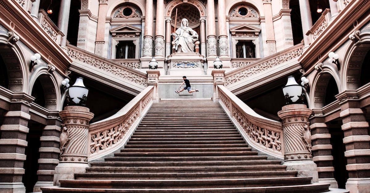 ruining historical landmark stairs - HD1200×800