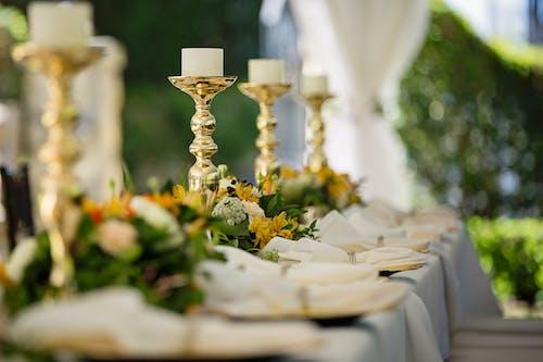 Foto d'estoc gratuïta de boda, candeler, coberts, compromís