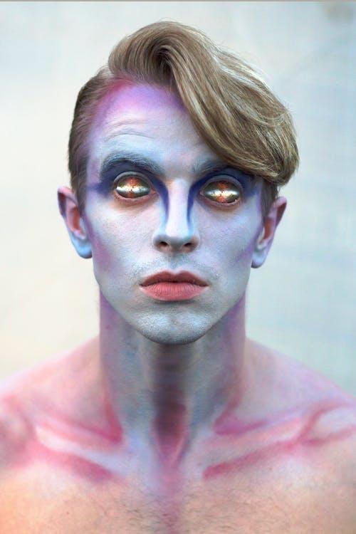 Základová fotografie zdarma na téma dívání, divný, kontaktní čočky, kostým