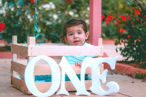 Fotobanka sbezplatnými fotkami na tému bábätko, červená, deň, dieťa