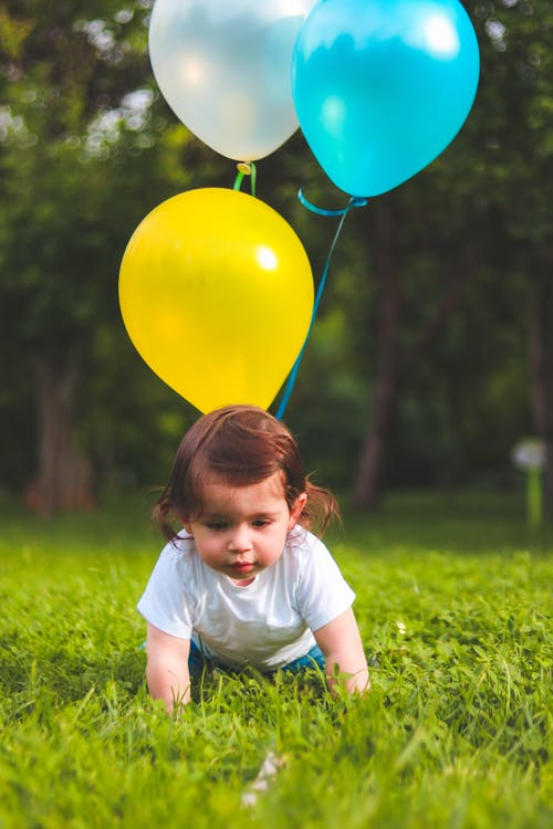 Základová fotografie zdarma na téma balóny, batole, dítě, fotografie
