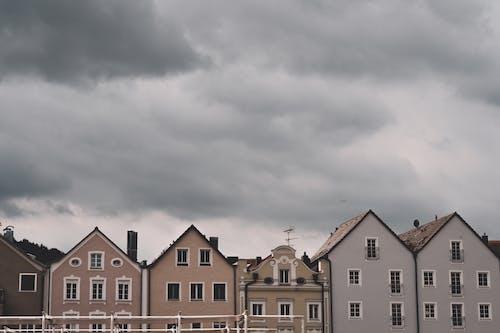 タウン, 建物, 建築, 曇りの無料の写真素材
