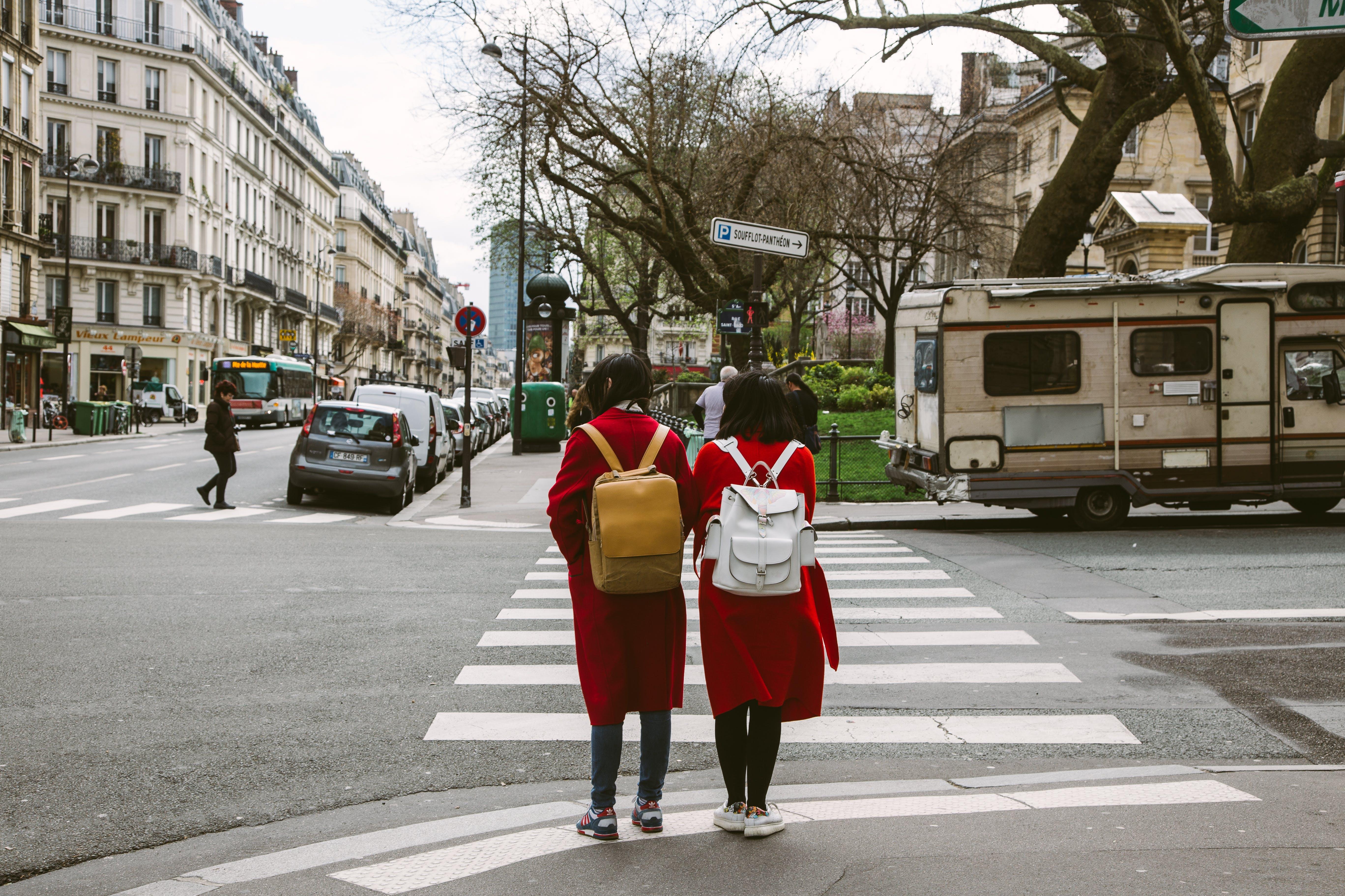 人, 人行道, 城市, 城鎮 的 免费素材照片