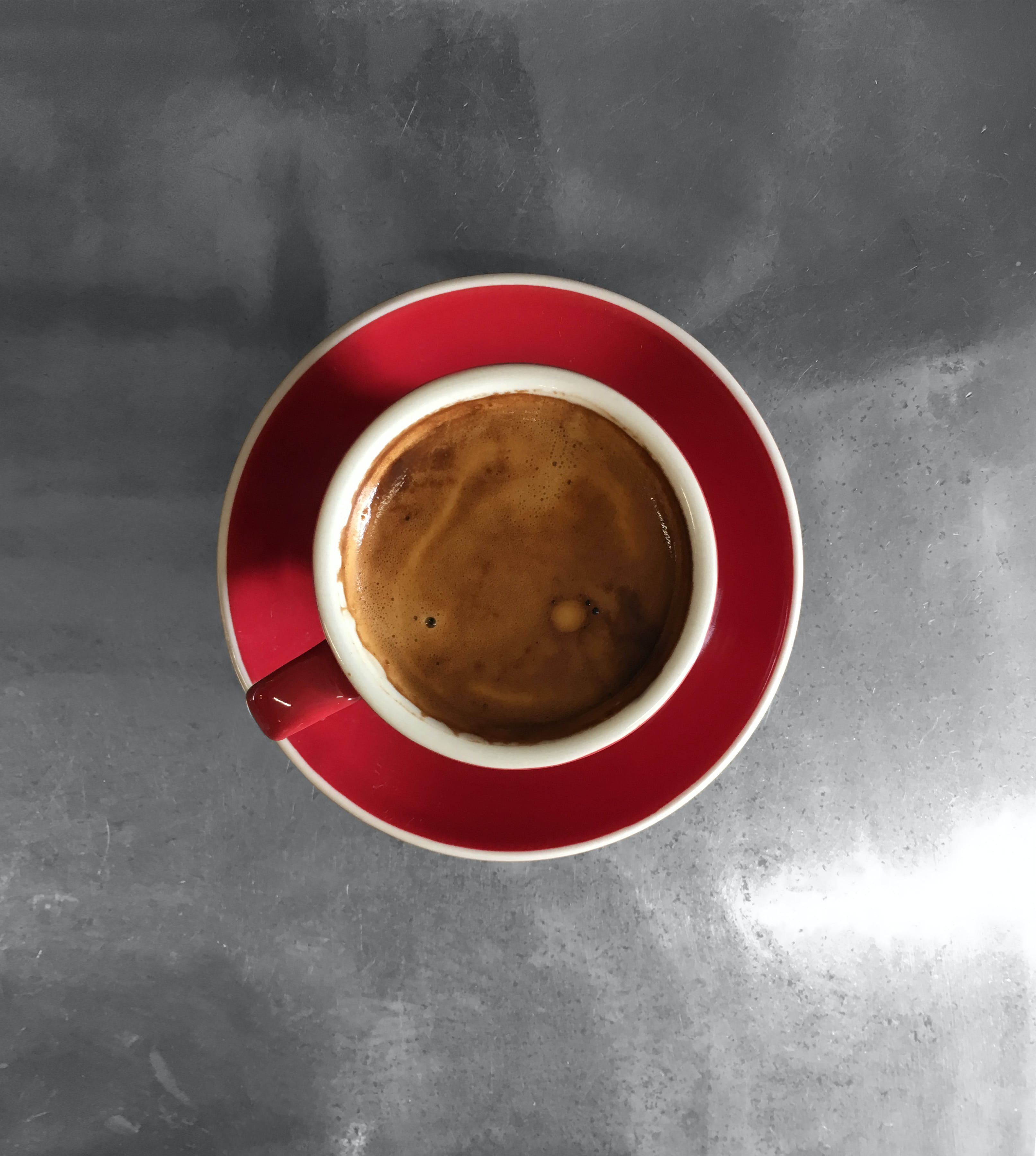 Foto stok gratis Barista, cangkir merah, kopi, kopi barista