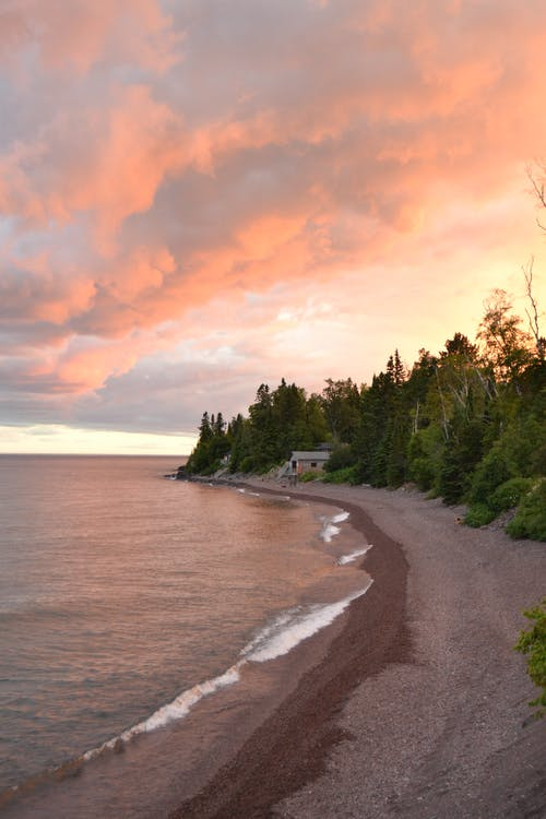 Immagine gratuita di cielo arancione, litorale, nuvole basse, susnset