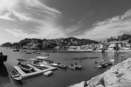 강, 건축, 교통체계, 구름의 무료 스톡 사진