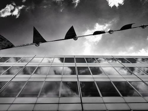 Fotobanka sbezplatnými fotkami na tému architektúra, čierna a biela, čierny abiely, mesto