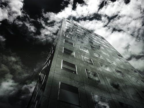 低角度拍攝, 反射, 城市, 天空 的 免费素材照片