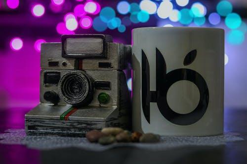 Immagine gratuita di azzurro, bianco, canon, fotocamera