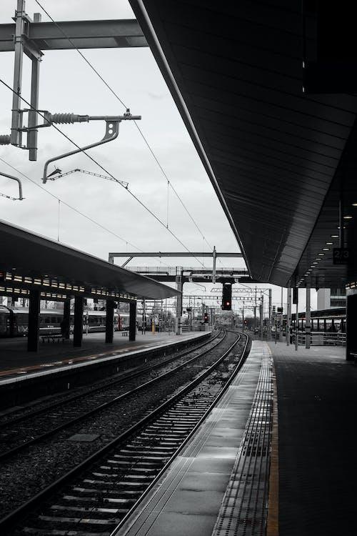 Gratis stockfoto met regen, stadsleven, station, stedelijk
