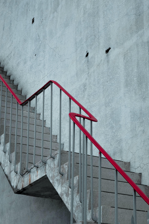 建造, 扶手, 樓梯, 灰色混凝土 的 免费素材照片