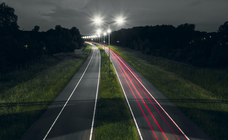 Kostenloses Stock Foto zu abend, asphalt, autobahn, beleuchtung