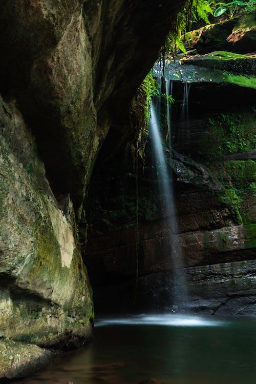 Ingyenes stockfotó Mohás sziklák, rock, vízesés témában
