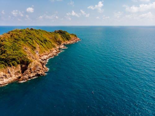 Foto profissional grátis de abismo, água, azul, beira-mar