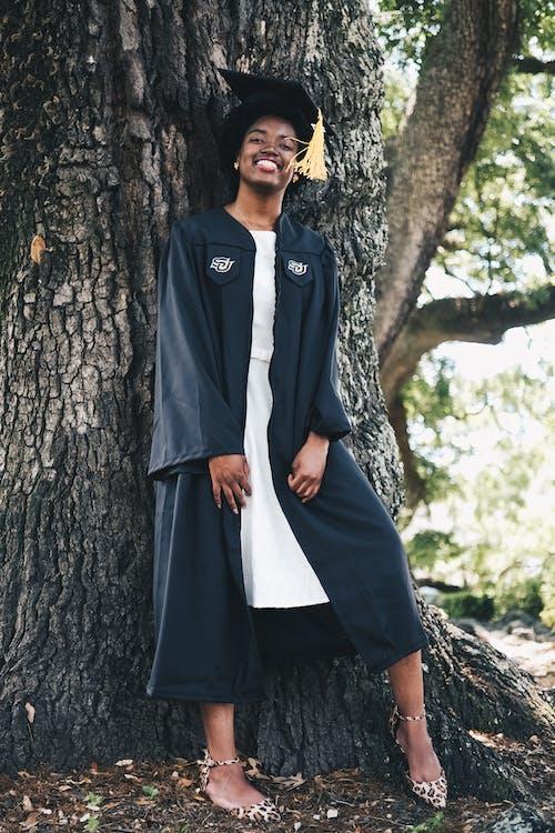 cây, cô gái da đen, con gái