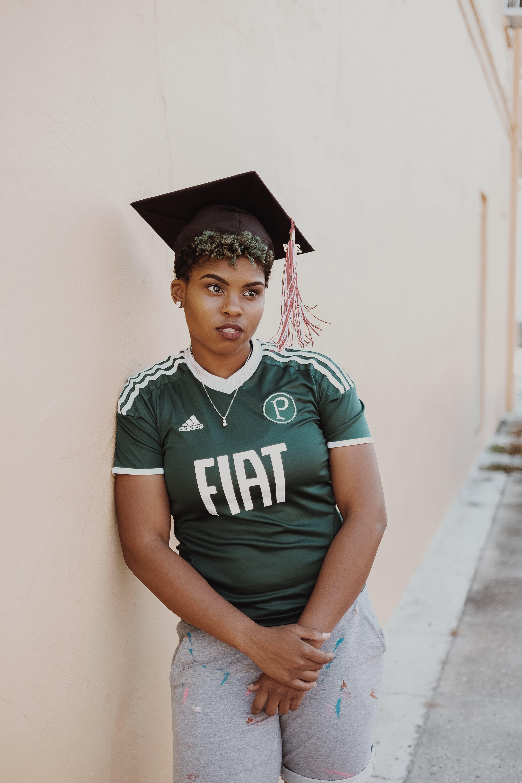 Безкоштовне стокове фото на тему «афро-американська жінка, випуск, випускатися, Дівчина»