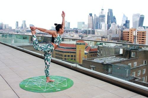 Foto d'estoc gratuïta de Acro, acro ioga, actiu, actuació