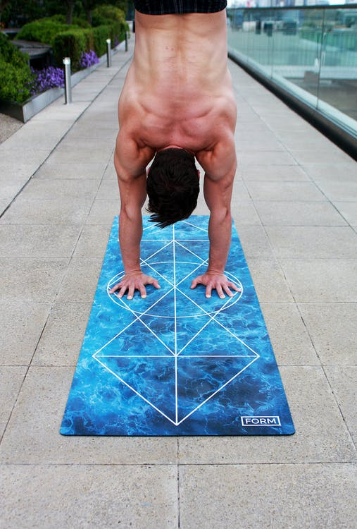 Acro-yoga, balance, chakra
