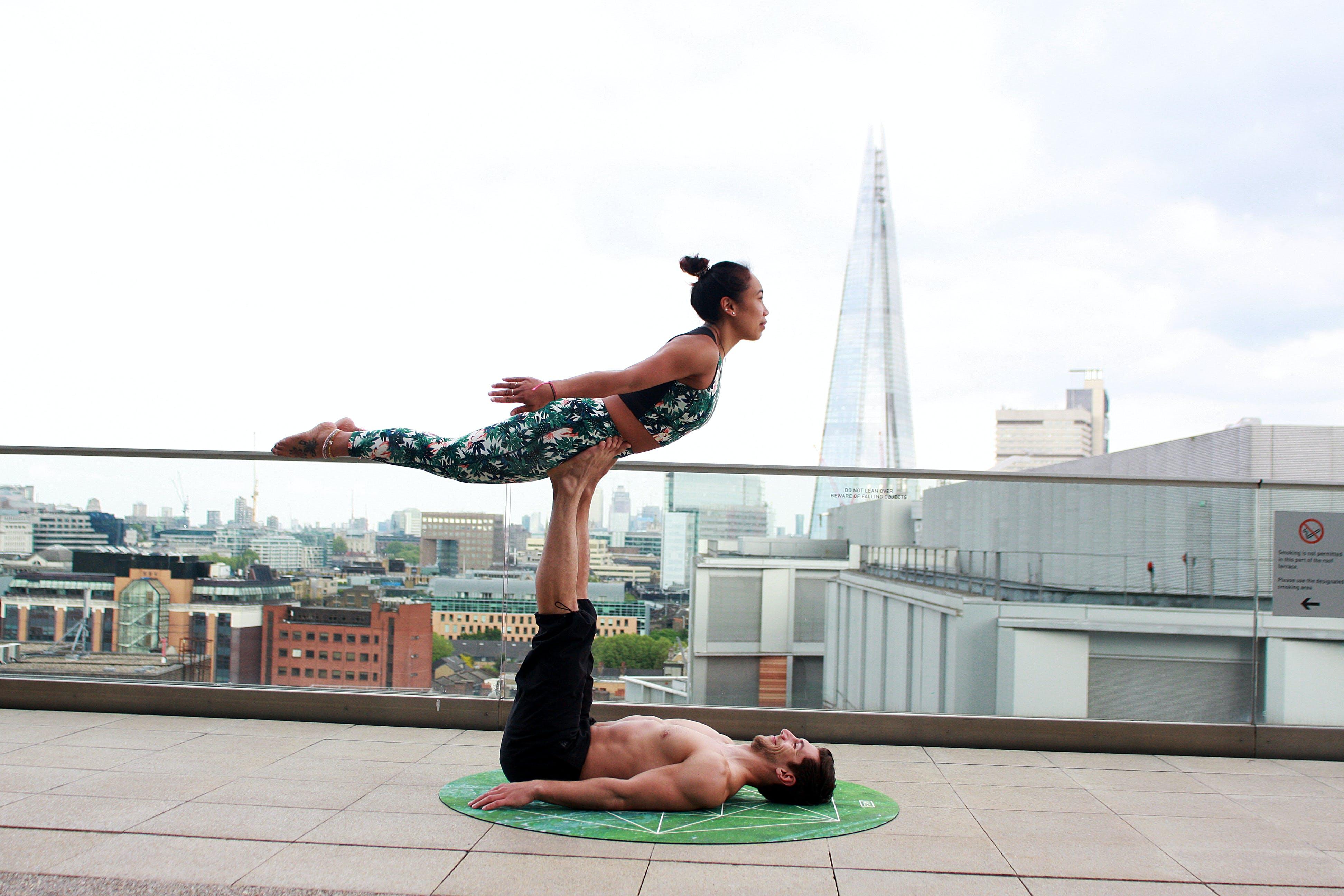 Acro Yoga, Avrupa, Birleşik Krallık, çakra içeren Ücretsiz stok fotoğraf