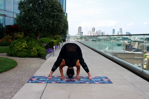 Kostenloses Stock Foto zu acro yoga, balance, boden, chakra