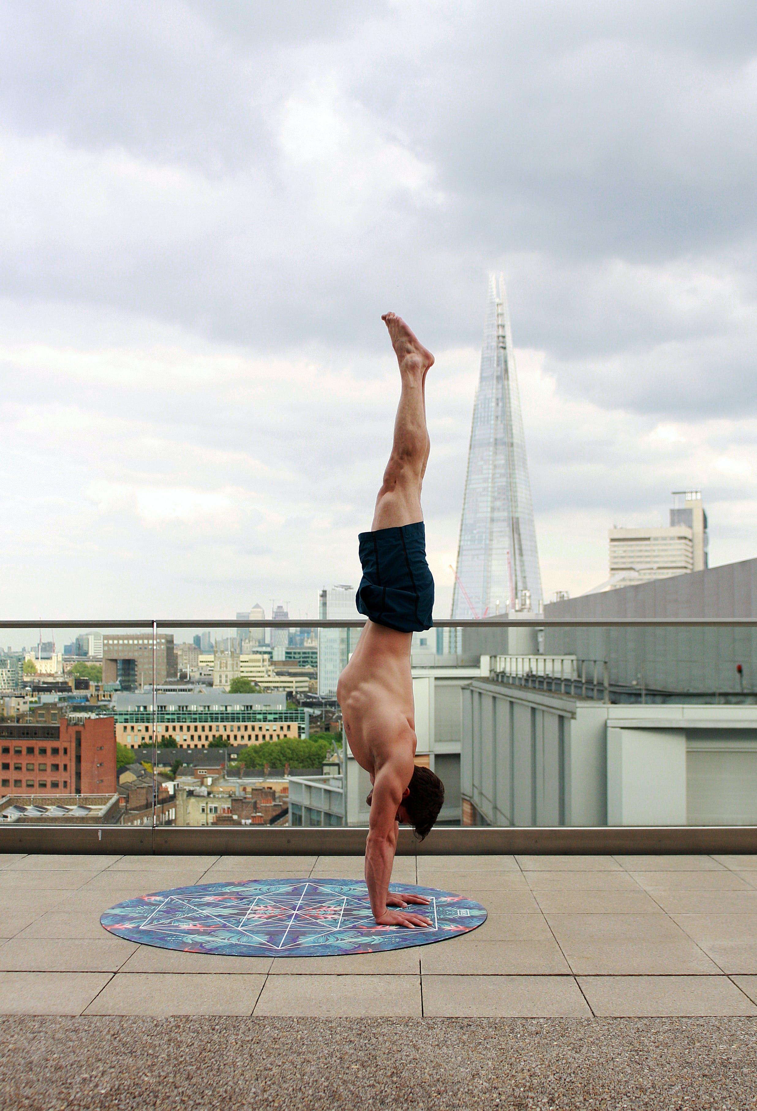 Kostnadsfri bild av acro, akro yoga, aktiva, arkitektur