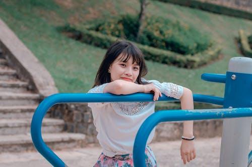 Kostenloses Stock Foto zu asiatin, asiatische frau, entspannung, frau