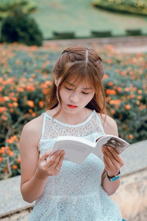 aantrekkelijk mooi, Aziatisch meisje, iemand