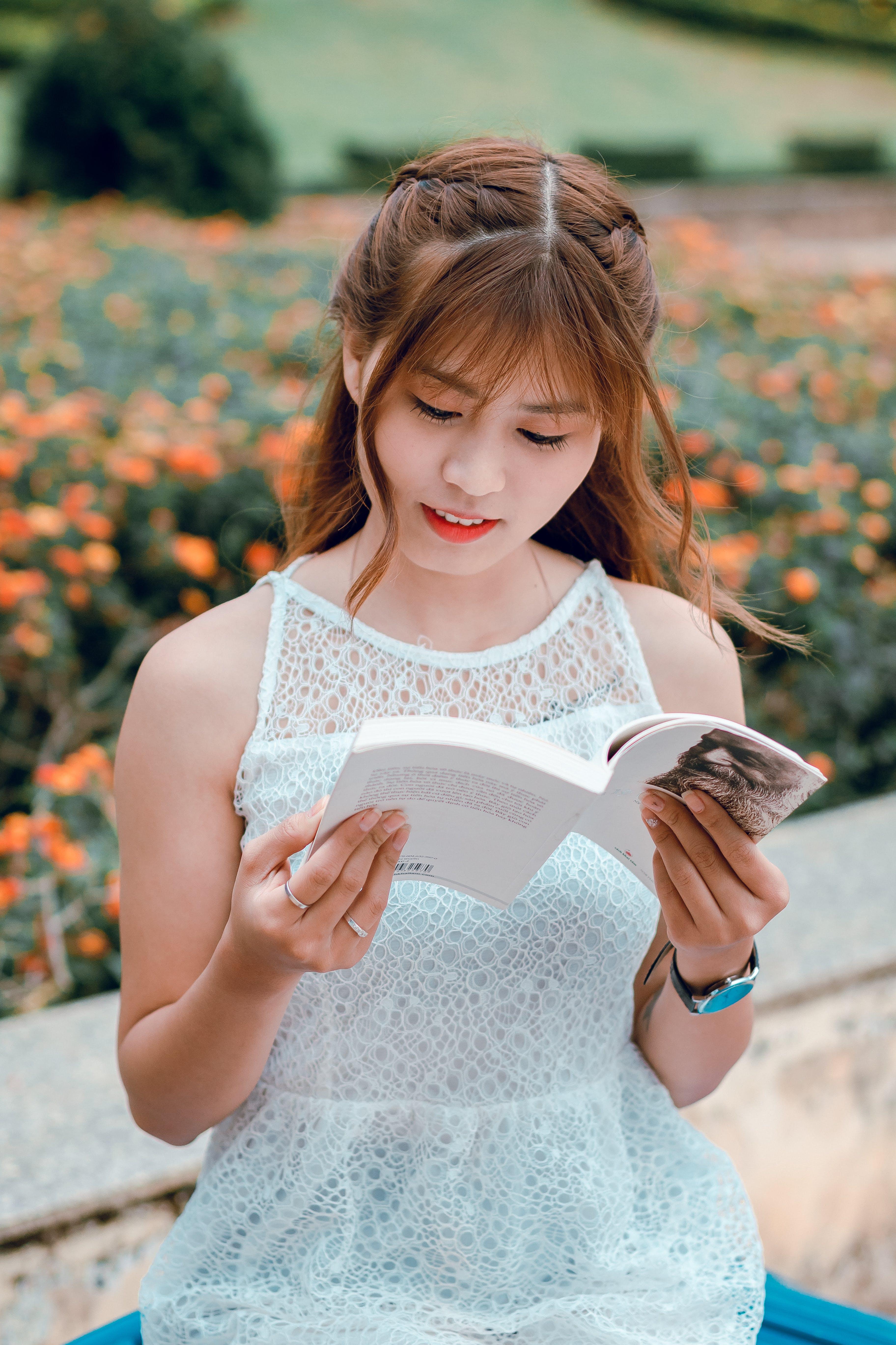 Δωρεάν στοκ φωτογραφιών με ανάγνωση, άνθρωπος, αξιολάτρευτος, ασιατικό κορίτσι