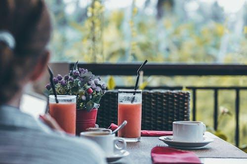 咖啡, 女人, 室內, 家具 的 免費圖庫相片