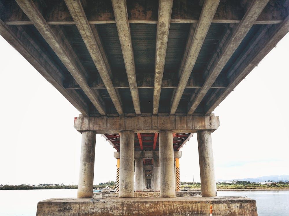 konetekniikka, rakennus, sillan alla