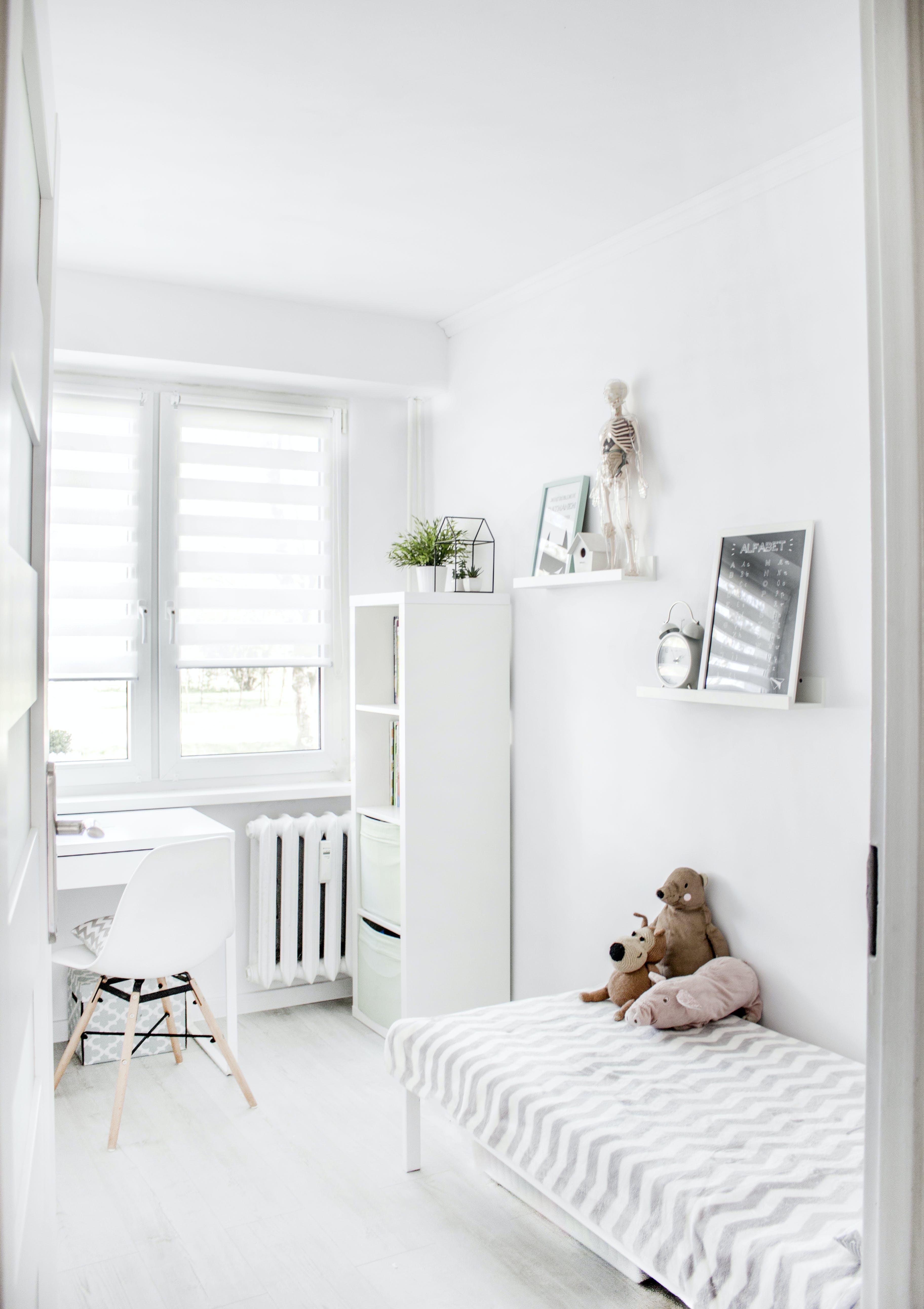 Kostenloses Stock Foto zu innen, fenster, zuhause, raum