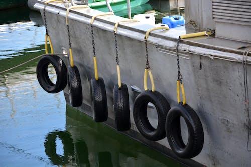 คลังภาพถ่ายฟรี ของ bateau, eau, pneus, quai