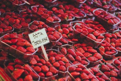 Gratis stockfoto met aanbieding, aardbeien, besjes, eten
