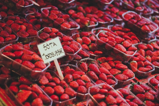 Kostenloses Stock Foto zu essen, rot, früchte, erdbeeren