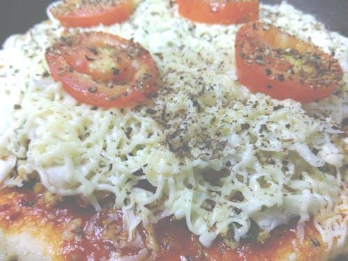 インドのピザ, ソース, チーズの無料の写真素材
