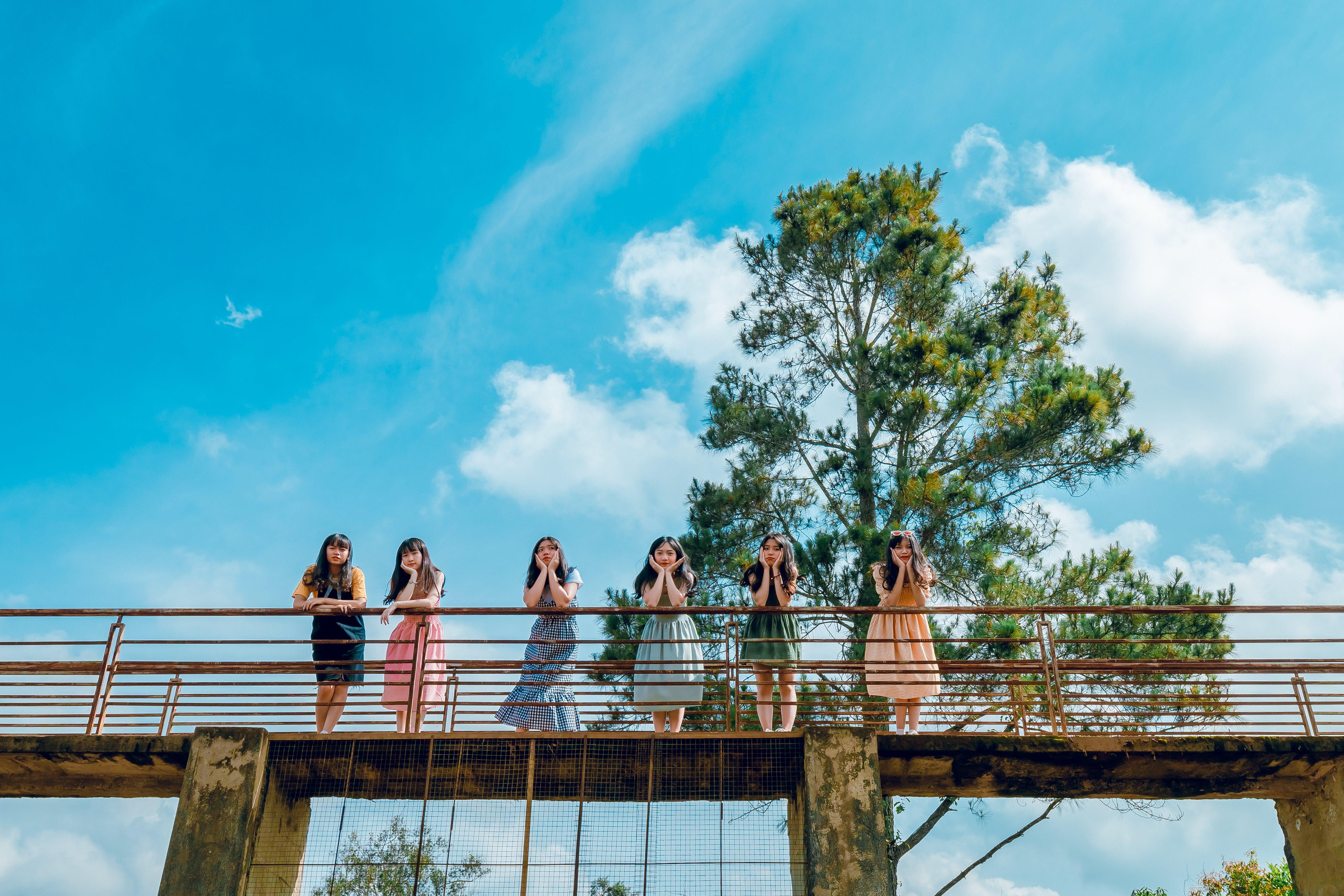 Six Women on Bridge