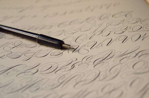 Fotos de stock gratuitas de bolígrafo, caligrafía, cartas, clásico