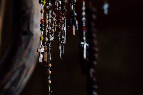 Fotobanka sbezplatnými fotkami na tému gorálky, kríž, rozmazanie, ruženec