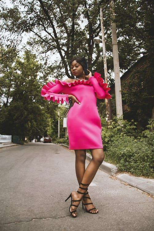 Безкоштовне стокове фото на тему «афро-американська жінка, веселий, вродлива, вродливий»