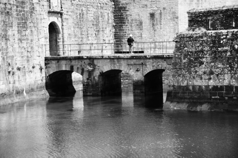 Foto profissional grátis de ancien, arquitetura, eau, historique