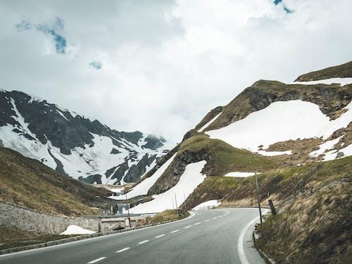 Fotobanka sbezplatnými fotkami na tému cesta, chladný, diaľnica, hory