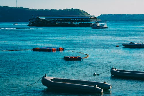 bir liman manzarası içeren Ücretsiz stok fotoğraf