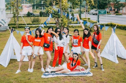 Gratis lagerfoto af asiatiske piger, hvid, model, rød kjole