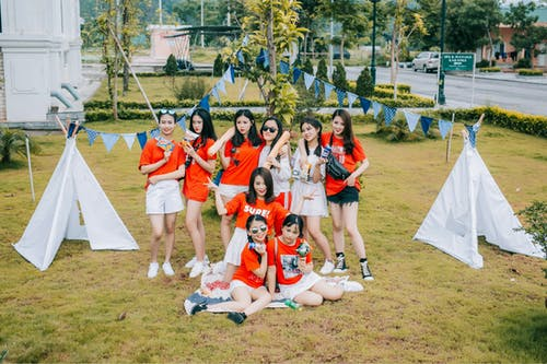 Foto d'estoc gratuïta de amistat, blanc, noies asiàtiques, somriures