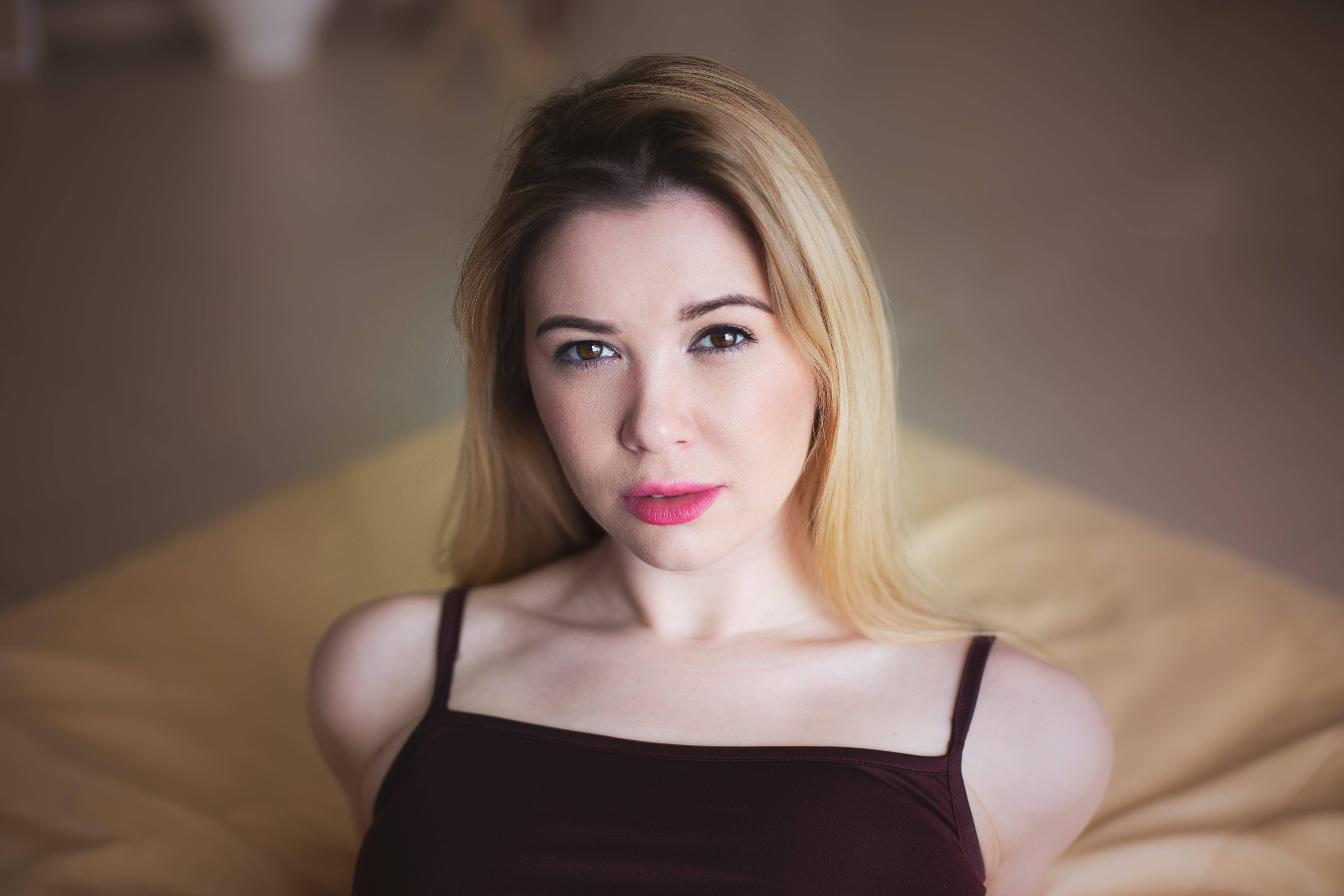 Kostenloses Stock Foto zu attraktiv, augen, blond, dame